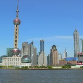 中国の海外ボランティア拠点上海の摩天楼